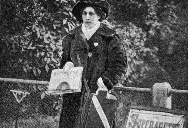 Princess Sophia Duleep Singh selling copies of the 'The Suffragette'